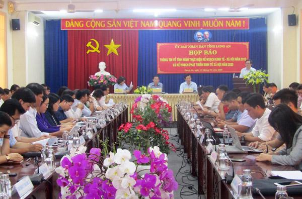 Họp báo thông tin tình hình thực hiện kế hoạch kinh tế - xã hội năm 2019 tại Long An